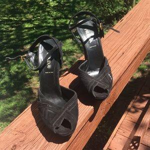 Prada heels Good used condition Authentic